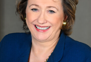Headshot of Dame Rosemary Squire