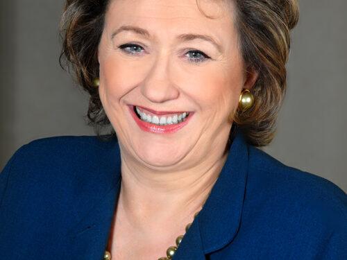 Headshot of Dame Rosemary Squire