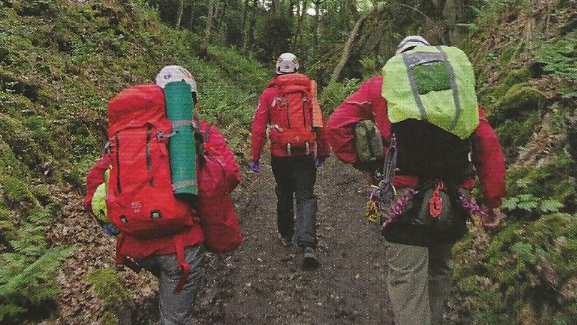 Derby Mountain Rescue Team heading to a rescue
