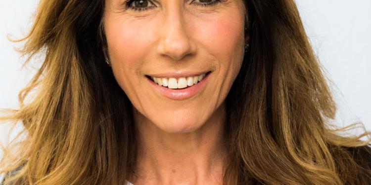 Headshot of Gaynor Faye